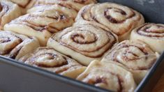 Homemade Cinnamon Rolls Recipe / These are the best ones I've ever made! Buttermilk makes them delicious! Best Cinnamon Roll Recipe, Homemade Cinnamon Rolls, Dessert Thermomix, Divas Can Cook, Good Bakery, Rolls Recipe, The Best, Cooking Recipes, Top Recipes