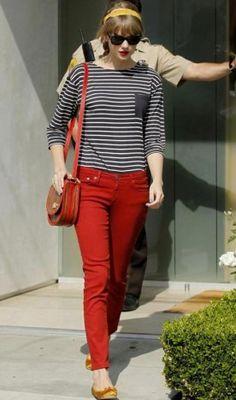 Look do dia: Taylor Swift fica ainda mais linda ao apostar no look navy!