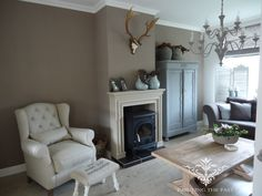 Truffle wallcolour By Painting the Past