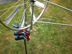 Bicycle wheel windmill - YouTube