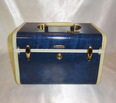 Vintage Samsonite Blue Streamlite Train Case with Tray and Key