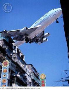 Old Hong Kong . Jumbo jet on final approach to Kai Tak Airport, scraping the rooftops of Kowloon City. Kai Tak Airport, Korean Air, Jumbo Jet, Commercial Aircraft, Civil Aviation, Air Travel, Old Photos, Places To Visit, Aviation Accidents