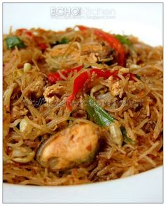 Echo's Kitchen: Mee Siam (Malaysian Spicy Fried Rice Vermicelli)