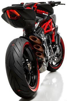 Brutalist Naked Motorbike Diablo Brutale 800 - ##diablo ##diablobrutale800 ##highperformancebike ##nakedbikeengineering