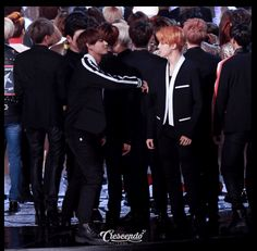 BTS at 2015 MBC Gayo Daejejun [151231] ... Friends don't let friends look stupid alone ;)