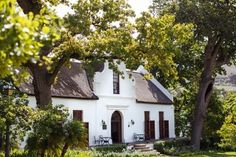 Find Wedding Venues in Paarl, compare prices and book your date on Pink Book Weddings. Best Wedding Venues in Paarl, Cape Winelands