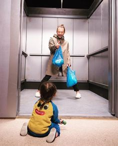 Thom Yorke behind the scenes of Lift #Radiohead