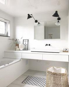 60 Baños blancos modernos: Grandes, pequeños y en madera Minimalist Bathroom Furniture, Minimalist Bathroom Design, Bathroom Interior Design, Modern Minimalist, Small Bathroom Storage, Small Bathrooms, White Bathrooms, Luxury Bathrooms, Master Bathrooms