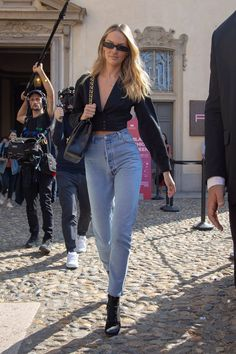 NEW MODEL LOOK Street style outfit ootd fashion style models style beautiful girls Celebrity Outfits, Celebrity Style, Candice Swanepoel Street Style, Fashion Models, Fashion Outfits, Womens Fashion, Fashion Clothes, Fashion Fashion, Fashion Tips