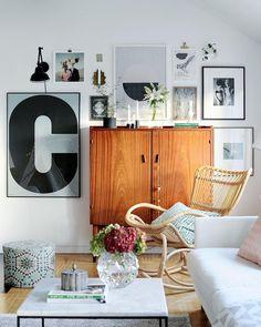 art wall, vintage cupboard | @bloggaibagis, @fotografrebeccamartyn, @annabjelkholm