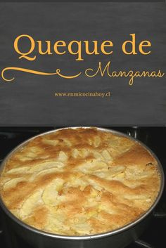 Un queque de manzanas diferente y muy rico. Con capas de manzana en su interior y una hermosa presentación. Apple Recipes, Sweet Recipes, Cake Recipes, Chilean Recipes, Chilean Food, Pastry Cake, Food Humor, Desert Recipes, Cheesecake