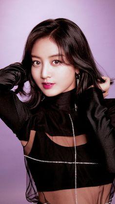K-Pop Babe Pics – Photos of every single female singer in Korean Pop Music (K-Pop) Nayeon, Twice Album, Kpop Girl Groups, Korean Girl Groups, Kpop Girls, Twice Photoshoot, Photoshoot Images, Warner Music, Jihyo Twice