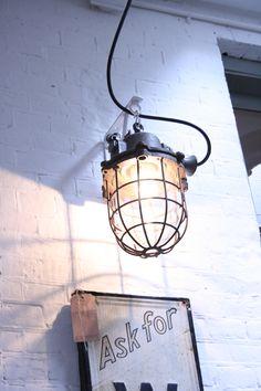 Prachtige industriële lamp bij Harvest&Company #lamp