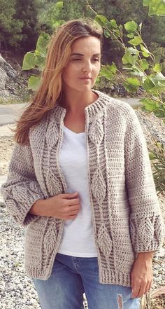 43 Awesome Crochet Cardigan Pattern Images for New Season 2019 - Page 11 of 50 - Women Crochet. Crochet Coat, Crochet Cardigan Pattern, Easy Crochet Patterns, Crochet Clothes, Free Crochet, Knitting Patterns, Crochet Ideas, Plus Zise, Pattern Images