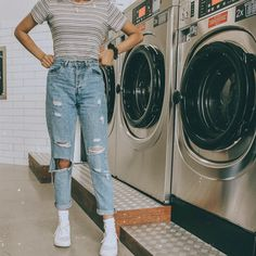 Épinglé par sarah sur mode en 2019 fashion outfits, trendy o Teenager Outfits, Outfits For Teens, Fall Outfits, Summer Outfits, Fashion Outfits, Jeans And T Shirt Outfit Teens, Artsy Outfits, Boyfriend Jeans Outfit, Ripped Jeans Outfit