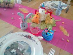 Décoration table de Pâques au crochet et au tricot