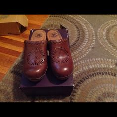 Lucky brand clogs Super comfortable clogs Lucky Brand Shoes Mules & Clogs
