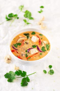 You only need one pot to make this delicious vegan Thai soup. It's made with easy to get ingredients and you can add your favorite veggies. Vegan Keto Recipes, Vegan Soups, Vegan Blogs, Thai Recipes, Soup Recipes, Healthy Recipes, Vegan Food, Turnip Recipes, Vegetarian Recipes