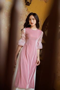 Traditional Gowns, Traditional Clothes, Trendy Fashion, Korean Fashion, Dress Outfits, Casual Outfits, Vietnamese Clothing, Desi Wear, Ao Dai
