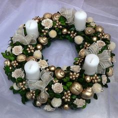 Christmas Advent Wreath, Christmas Pine Cones, Christmas Time, Christmas Candle Holders, Christmas Centerpieces, Festival Decorations, Xmas Decorations, Table Violet, Table Rose