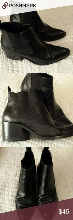 "BEATLES BOOTS PANEMA BLACK FINE LEATHER UPPERS WITH ELASTIC SIDE GORES. PULL ON... LADIES SIZE 6 1/2 BEATLES BOOT STYLE 2"" HEELS. VERY COMFY...?? PANEMA Shoes Ankle Boots & Booties"