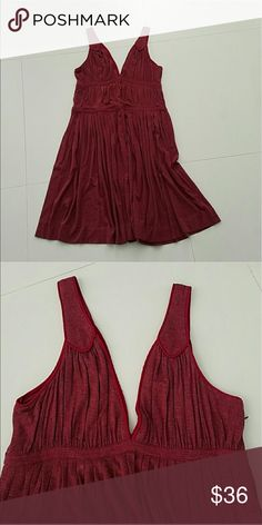 MARC JACOBS burgundy wine dress Large BEAUTIFUL Excellent condition! 97% rayon & 3% spandex. To designer brand MARC JACOBS. Perfect for summer. Not sure if you would consider it midi or mini. Marc Jacobs Dresses Midi