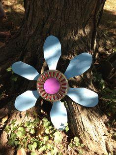 Flower from pallets & a ceiling fan.