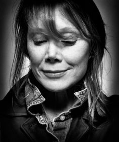 Sissy Spacek - American actress and singer. Photo by Platon Celebrity Photography, Celebrity Portraits, Portrait Photography, Black White Photos, Black And White, Inside The Actors Studio, World Press Photo, Sissy Spacek, Actor Studio