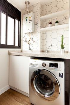 Apartamento MG por Luciana Ribeiro Arquitetura | homify Laundry Decor, Laundry Room Design, Laundry Room Inspiration, Decoration, Beautiful Homes, Kitchen Decor, Sweet Home, New Homes, Home Appliances