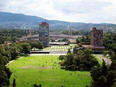 Las famosas islas, con nuestra Biblioteca y Rectoría. #UNAM #ESTADIOAZTECA #RECTORÍA #BIBLIOTECA
