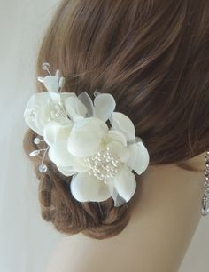 Silk Bridal Headpiece, Bridal Hair Flower Comb, Wedding Hairpiece, Wedding Flower Hair Comb, Bridal Hair Accessory, Wedding Hair Accessories Please indicate your preferences of color and hair attachment. Please select from the drop down list. Thank you Kayte Walters on Dec