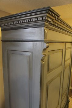 After Armoire Annie Sloan Chalk Paint Graphite And French Linen 50 50 Mix. Redo Furniture, Furniture Rehab, Grey Distressed Furniture, Furniture Restoration, Furniture Projects, Refurbished Furniture, Paint Refinishing, Paint Furniture, Chalk