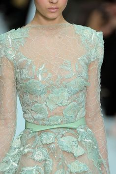 girlannachronism:    Elie Saab spring 2012 couture details    runway blog xo