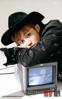 NCT 127 Mark [ 이미형 ] ㅡ CHERRY BOMB Photoset ⓐ version scan by. 흐린
