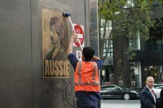 Peter Drew aikoo jatkaa Melbournen jälkeen jatkaa julistekampanjaansa Australian eri osavaltioissa.