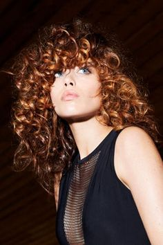 Take a closer look at the haircuts from the new Jean Louis David Spring-Summer 2016 collection! They are all extremely adaptable and allo. David, Beauty Corner, Spring Summer 2016, Hair Dos, Hair Inspo, Hair Trends, Curly Hair Styles, Dreadlocks, Lady