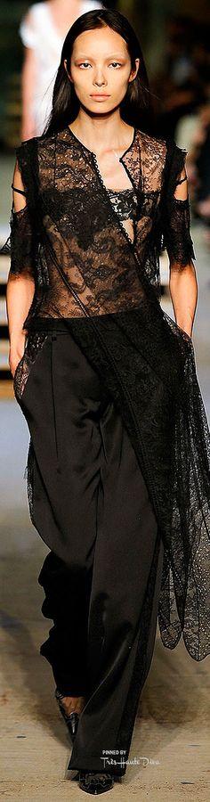 2972c2a00549 Givenchy S16 RTW Fashion Show On 9 11 — Très Haute Diva