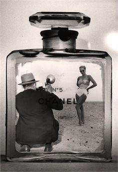 Chanel ad, 1959 black and white photo flacon