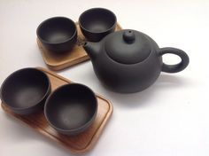 Yixing -5 oz Tea Pot with Tea Tasting Cups and Bamboo Coaster