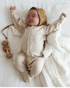 """676 kedvelés, 14 hozzászólás – NOC NOC WOODEN TOYS (@noc_noc_wooden_toys) Instagram-hozzászólása: """"This morning feels! Gorgeous girl Luna and her Organic Rattle. Image by @katherinesergi . . . . .…"""""""