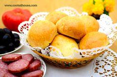 Поачи - вкусни хлебчета, които се приготвят много бързо и могат да заменят хляба за закуска, обяд или вечеря. В Истанбул се продават почти на всеки ъгъл.