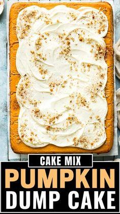 Pumpkin Pie Cake, Easy Pumpkin Pie, Pumpkin Spice, Dump Cake Recipes, Dump Cakes, Vegetarian Desserts, Box Cake Mix, Toasted Pecans, Christmas Desserts