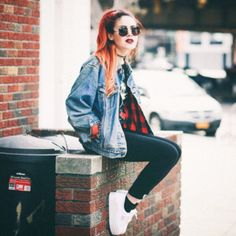 12iub0-l-610x610-jacket-grunge-le+happy-luanna+perez-90s+jacket-denim+jacket-sunglasses.jpg (610×610)