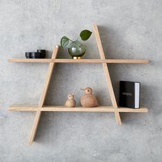 Andersen Furniture online forhandler - køb A-shelf hylde her Small Furniture, Plywood Furniture, Diy Furniture, Furniture Online, Unique Shelves, Small Shelves, Floating Shelves, Box Shelves, A Shelf