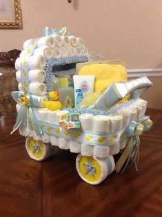 Eleganter Windelkinderwagen / A Baby Shower Centerpiece oder… - Baby Diy . Eleganter Windelkinderwagen / A Baby Shower Centerpiece oder… – Baby Diy Regalo Baby Shower, Baby Shower Gift Basket, Baby Shower Gifts For Boys, Baby Shower Diapers, Baby Shower Fun, Unique Baby Shower Gifts, Basket Gift, Girl Gift Baskets, Baby Shower Diaper Cakes