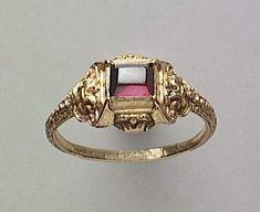 Foto (C) RMN-Grand Palais (Renaissance-Museum, Schloss Ecouen) / Hervé Lewandowski - Renaissance Jewelry, Medieval Jewelry, Ancient Jewelry, Antique Jewelry, Gold Jewelry, Jewelry Rings, Jewelery, Jewelry Accessories, Vintage Jewelry