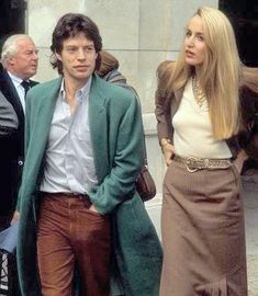 Mick Jagger et Jerry Hall Jerry Hall, Mick Jagger Wife, Rock Music History, Mick Jagger Rolling Stones, Moves Like Jagger, Star Actress, Georgia May Jagger, Rock Outfits, Glamour
