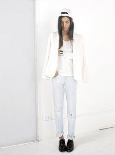 Shop this look on Kaleidoscope (blazer, jeans) http://kalei.do/XHcjCQfR5XSoig1q