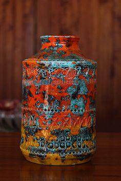 art vase - Ceramics and Pottery Arts and Resources Ceramic Jars, Glass Ceramic, Ceramic Pottery, Pottery Art, Slab Pottery, Pottery Studio, Keramik Vase, Italian Pottery, Wheel Thrown Pottery