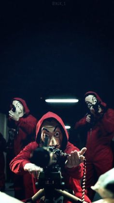 La casa de papel Series Movies, Film Movie, Movies And Tv Shows, Tv Series, Wallpaper Iphone Cute, Cellphone Wallpaper, Screen Wallpaper, Movie Wallpapers, Netflix Movies